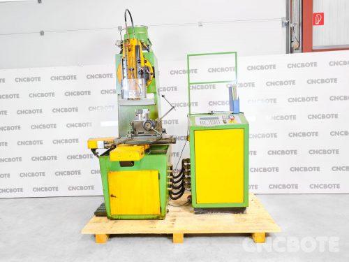 Manser ST300 – CNC Nutenstoßmaschine