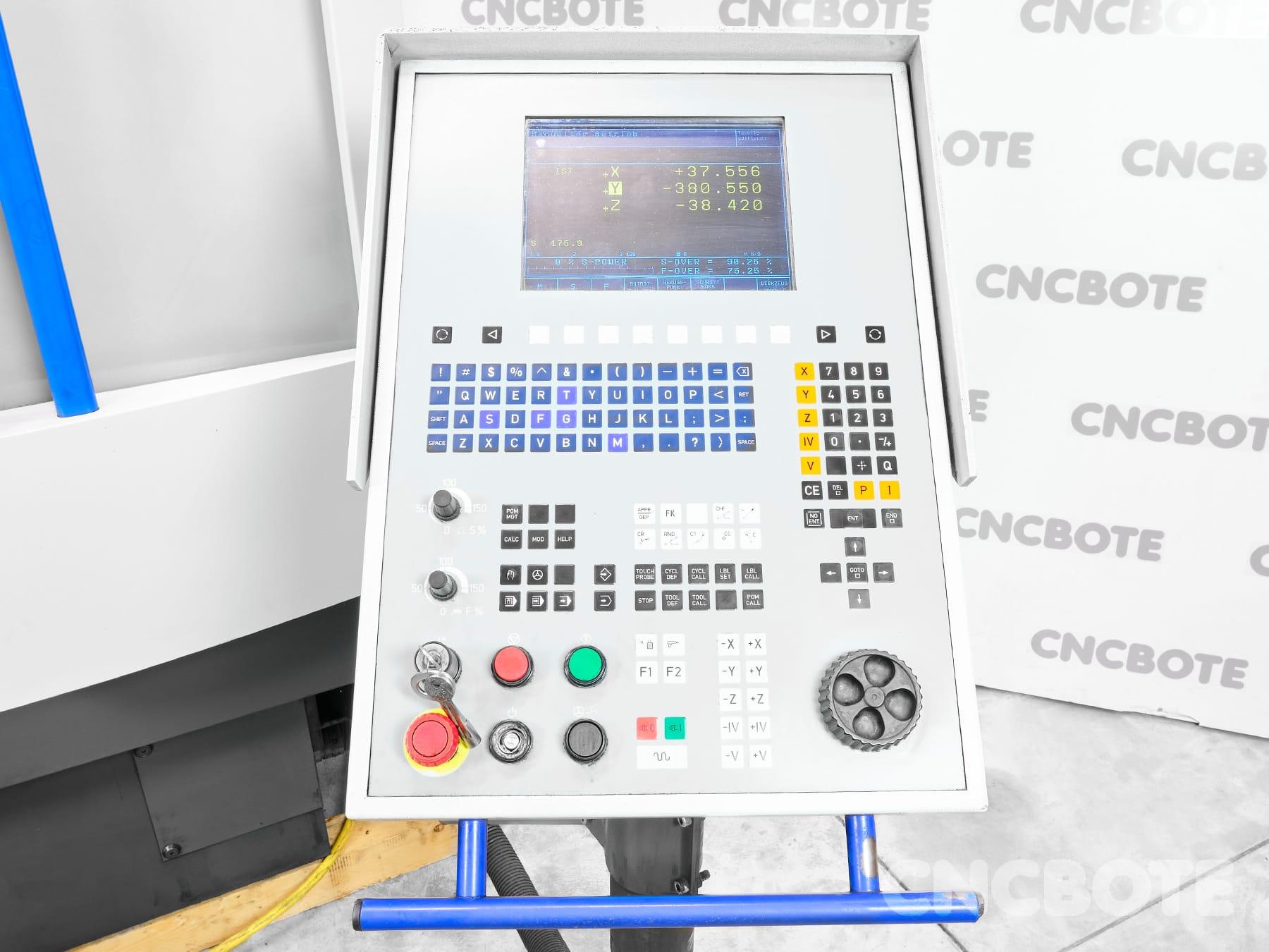 Mikron VCP 710 Bearbeitungszentrum