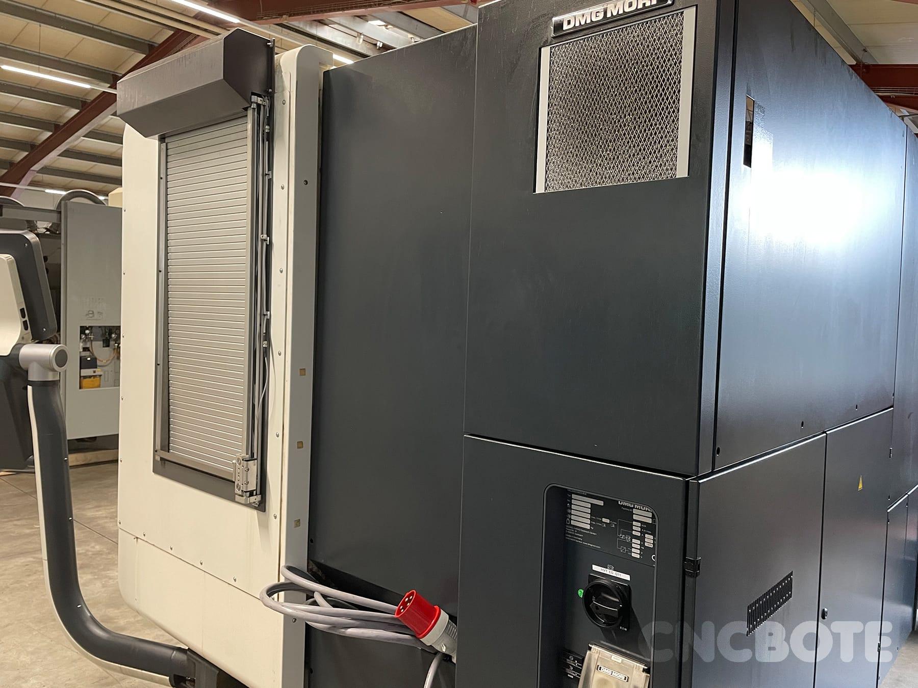 DMG MORI DMU 50 centro de maquinação