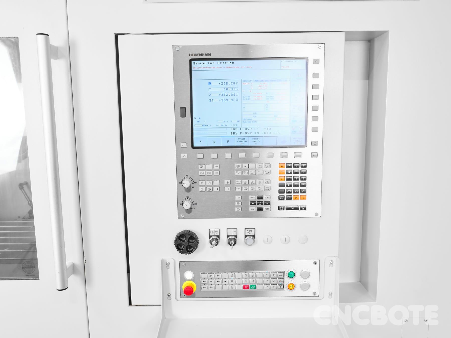 Spinner VC 1200-HS Bearbeitungszentrum