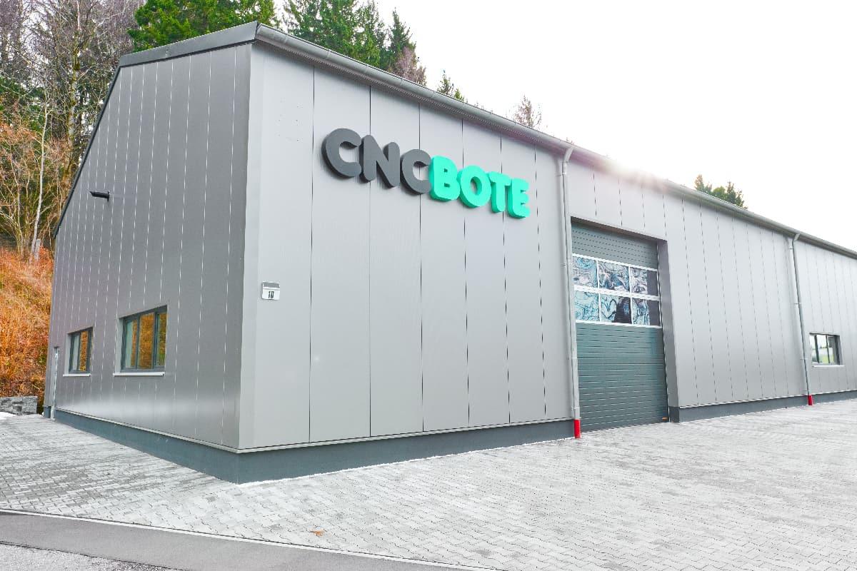 Das CNC BOTE Ersatzteillager von außen